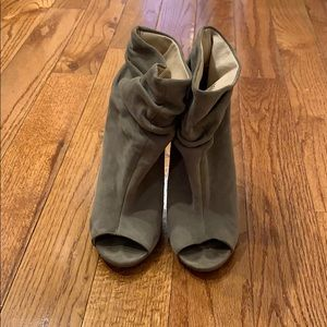 Chinese Laundry Bootie Heels Size 7.5